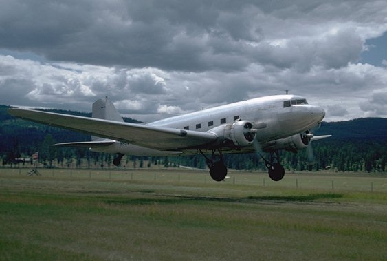 DC3specs - The Business of Funding and Flying a Plane